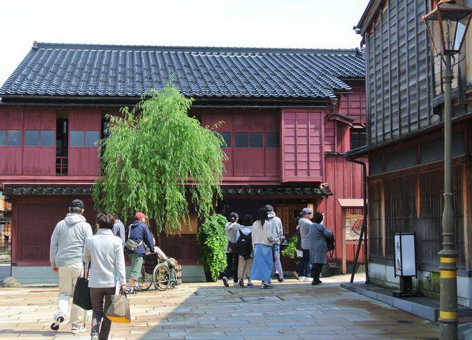 江戸時代から続くお茶屋さん街「ひがし茶屋街」