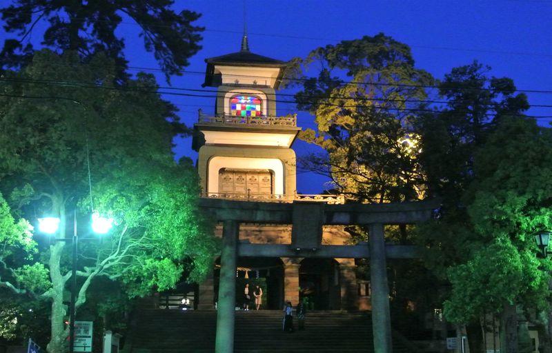 神社なのにステンドグラス!?金沢の必見観光地「尾山神社」