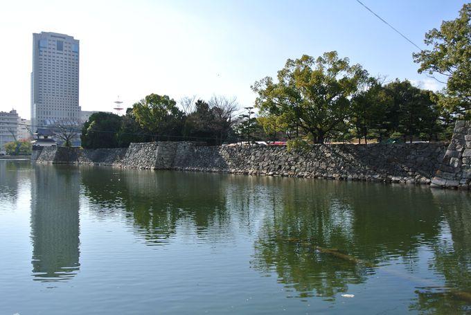 鯉の城の別名を持つ広島城