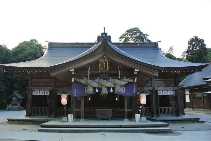 神話世界の夫婦が祀られている神社