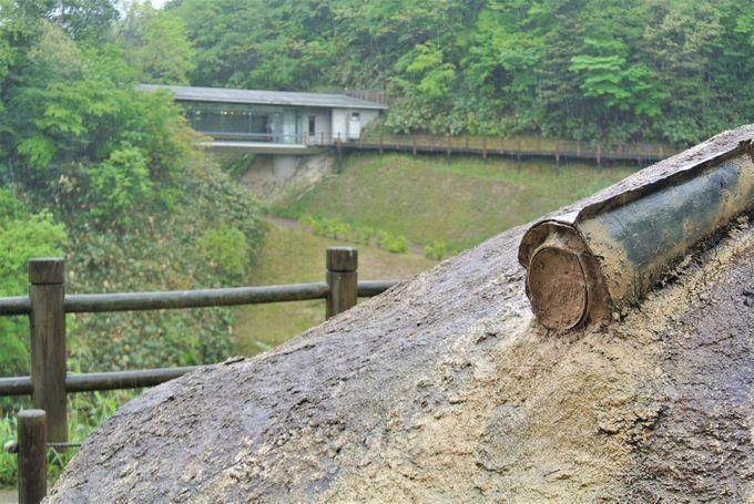 銅鐸のレプリカが展示されている加茂岩倉遺跡ガイダンス