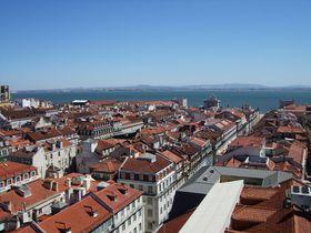 オレンジ屋根の絶景が目の前に!リスボンで訪れるべき絶景ポイント5選!