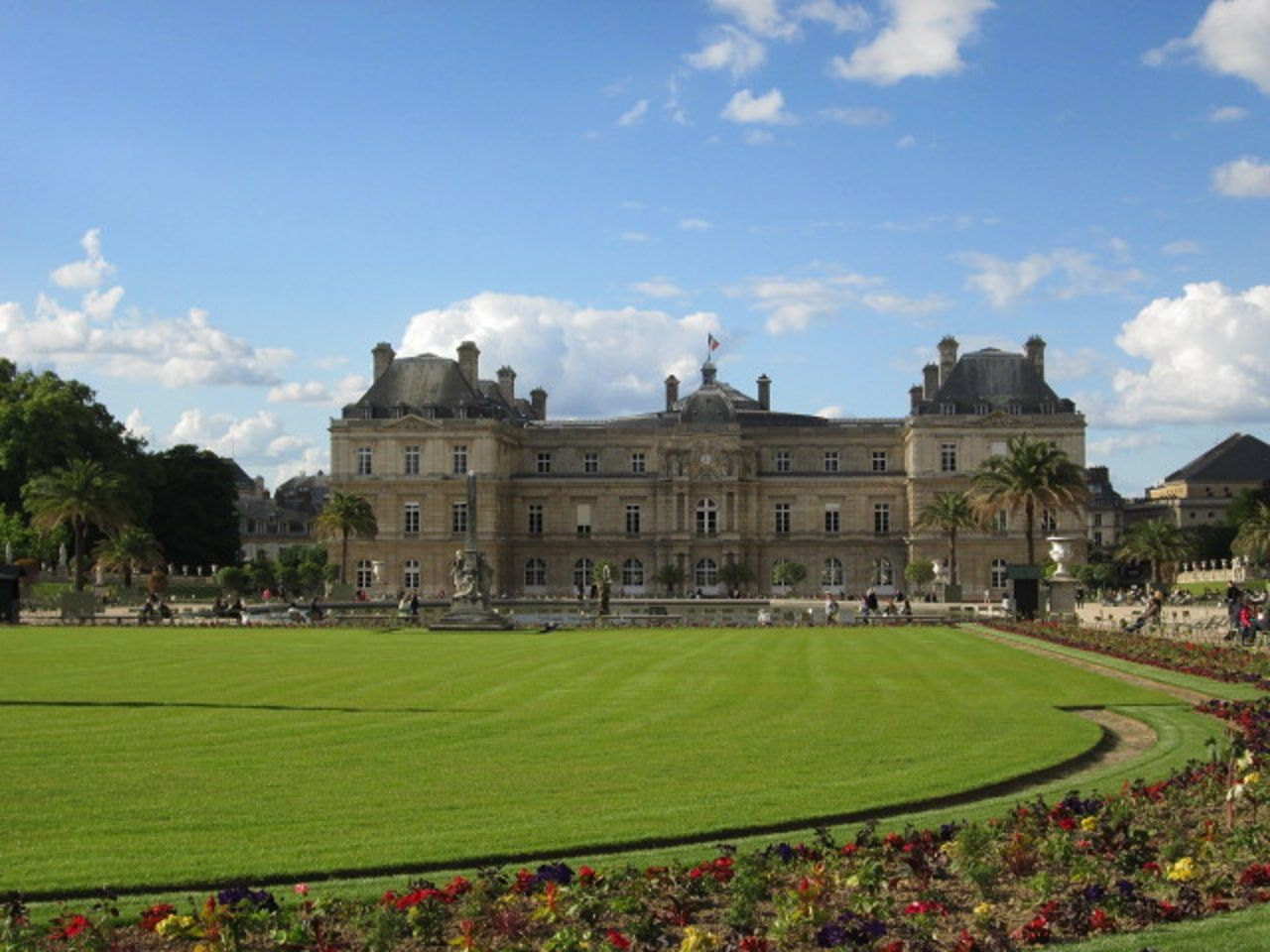 ヨーロッパの宮殿のような庭園