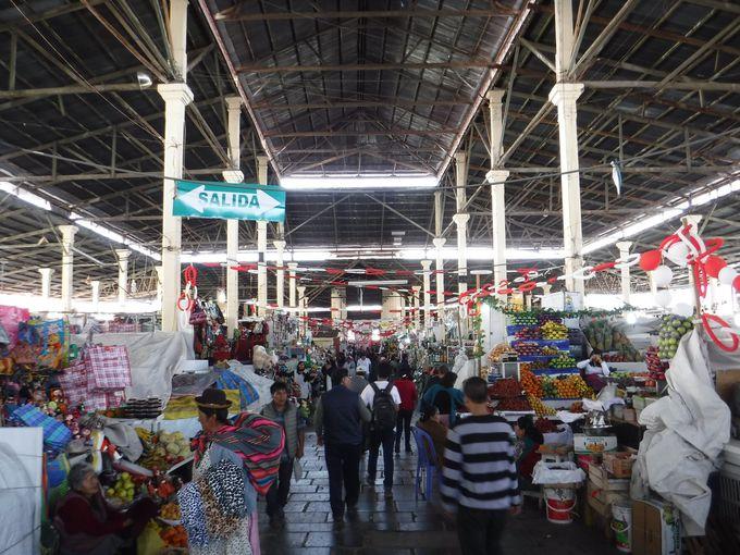 クスコ観光の定番!サンペドロ市場
