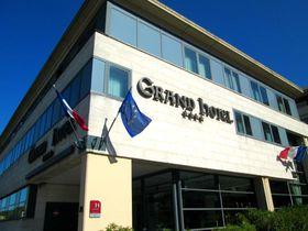 世界遺産の街並みが目の前!「アヴィニョングランドホテル」で歴史を楽しむ南仏バカンスを!