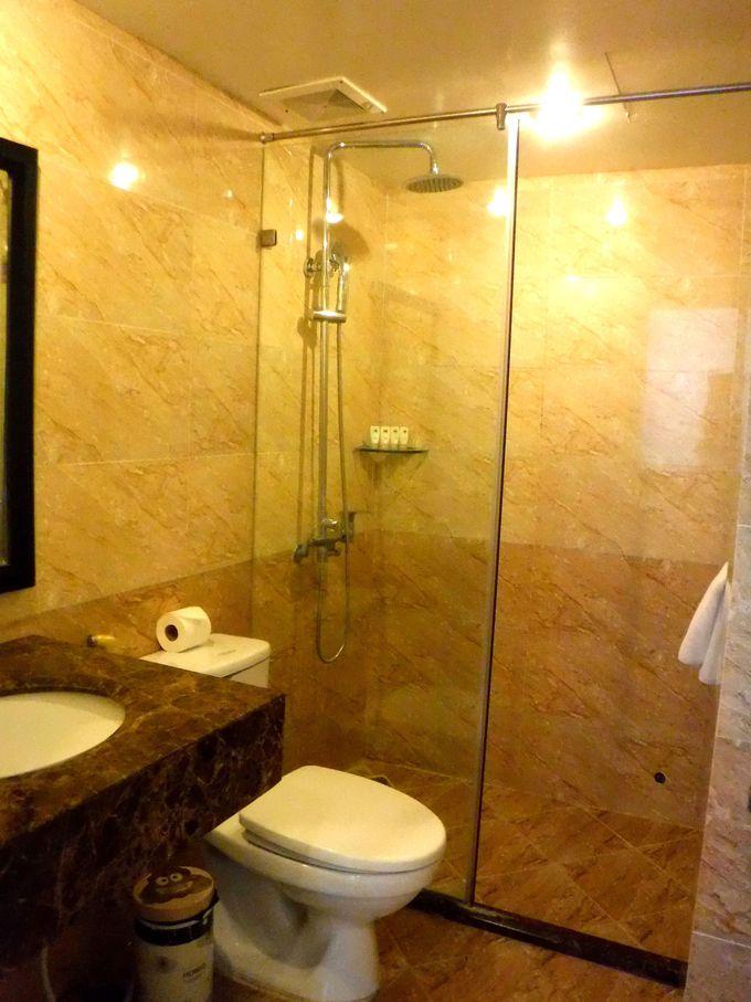 シンプルな内装ながら、清潔感があり居心地の良いお部屋