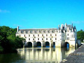 川に浮かぶお城!?「シュノンソー城」はパリから日帰りも可能な白亜のお城!