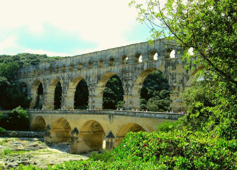 築2000年の水道橋!仏「ポンデュガール」は古代ローマ人の知恵の賜物!