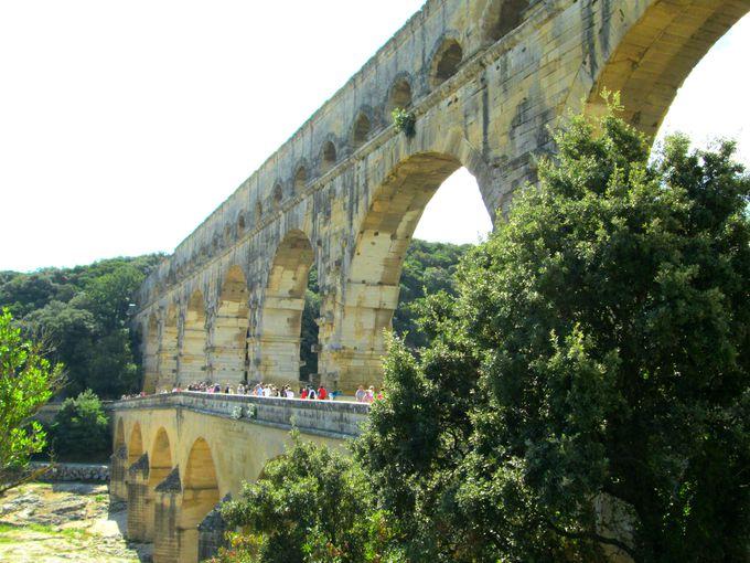 2000年前のローマ建築。ポンデュガールの壮大な景色に圧倒される!