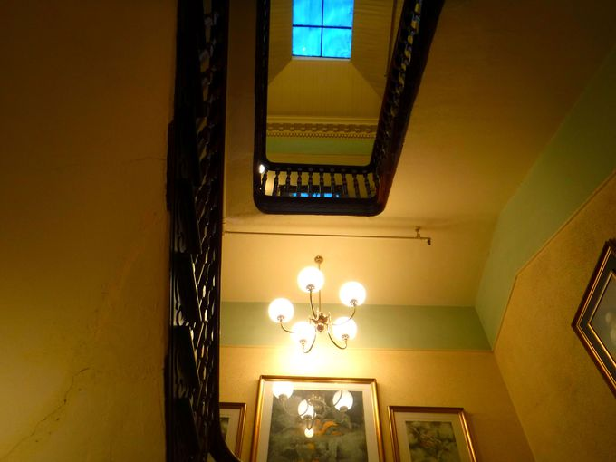 抜群のアクセスに「味のある」建物!「ホテル・クレアモント・ゲストハウス」