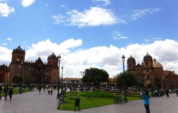 朝:クスコの中心地「プラザ・デ・アルマス」へ行ってみよう!