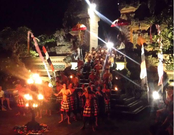 ウブド観光でケチャのショーを見学するなら「プセー寺院」
