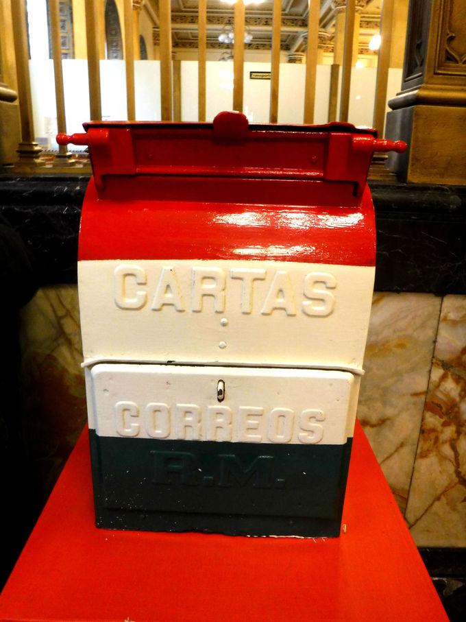 美しいだけじゃなく歴史も学べる「メキシコ中央郵便局」