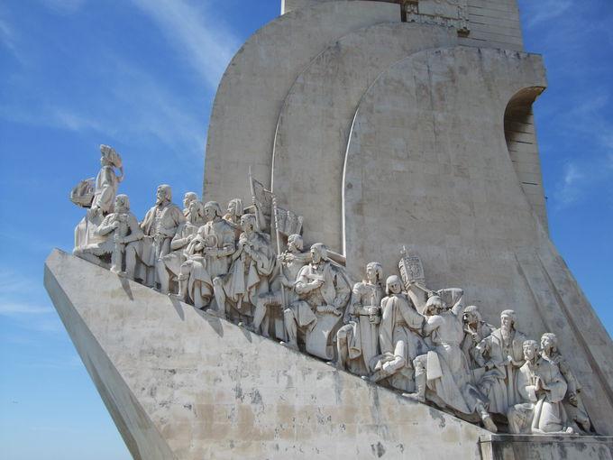 海洋国家ポルトガルを代表する人物が勢ぞろい「発見のモニュメント」