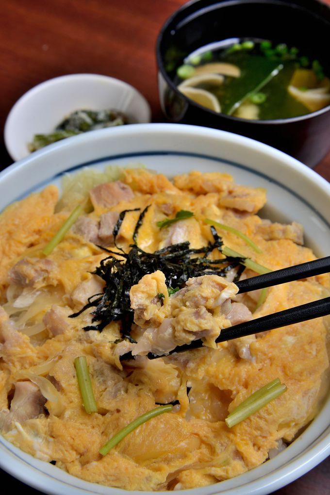 日本一の地鶏を目指して開発された「熊野地鶏」の親子丼