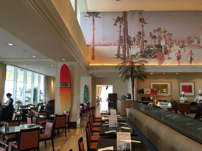 船を見ながら楽しむテラスレストラン「サンタモニカの風」