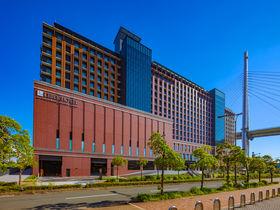 広大なテラスからは大阪湾に沈む夕日も!「リーベルホテル」