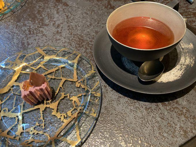 4種のモンブラン食べ比べはお茶とのペアリングで