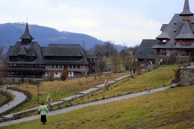 世界遺産の木造聖堂:バルサナ修道院