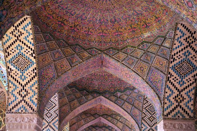バラづくし!可愛いピンクが溢れるローズモスク