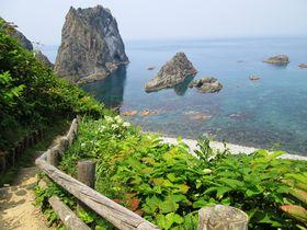奇跡の透明度!北海道積丹町の絶景スポット「島武意海岸」