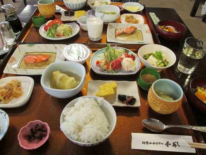 食事処での朝食は洞爺湖町産の野菜をたっぷり食べよう!
