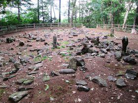 太古の遺跡を巡る!北海道余市町「フゴッペ洞窟」と「環状列石」