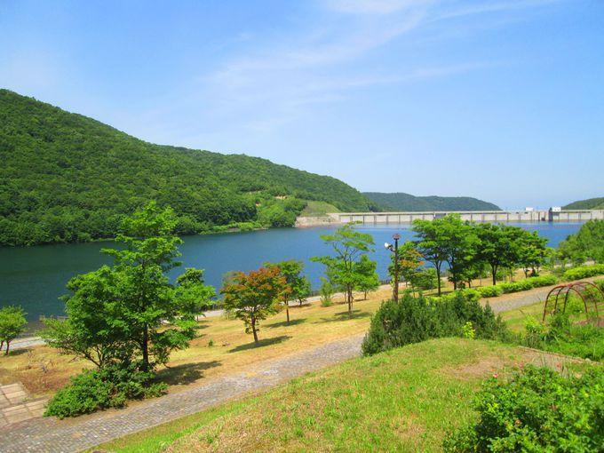 小樽の温泉地「朝里川温泉」近くの美景スポット!「朝里ダム」