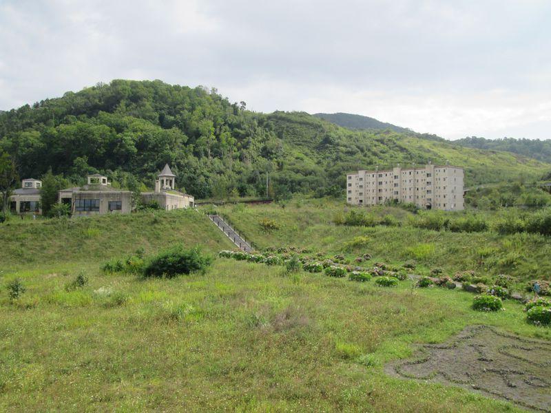 景勝地・洞爺湖町で歴史を訪ねる「金比羅火口災害遺構散策路」