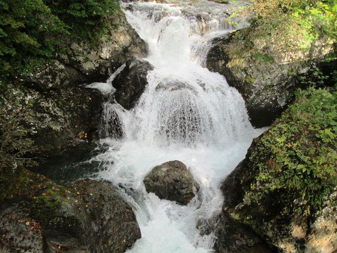 「三階滝公園」でマイナスイオンをたっぷり浴びよう!