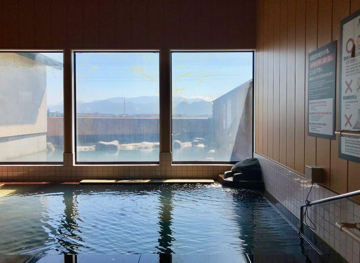 日本温泉協会お墨付き、100%源泉かけ流しの天然温泉