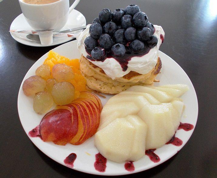眼福のフルーツパンケーキにうっとり