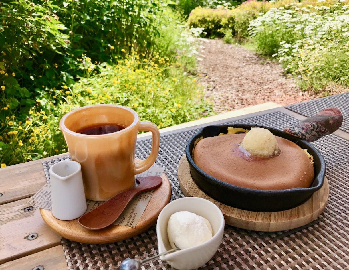 山形「ミツバチガーデンカフェ 」お花畑のパンケーキでミツバチ気分