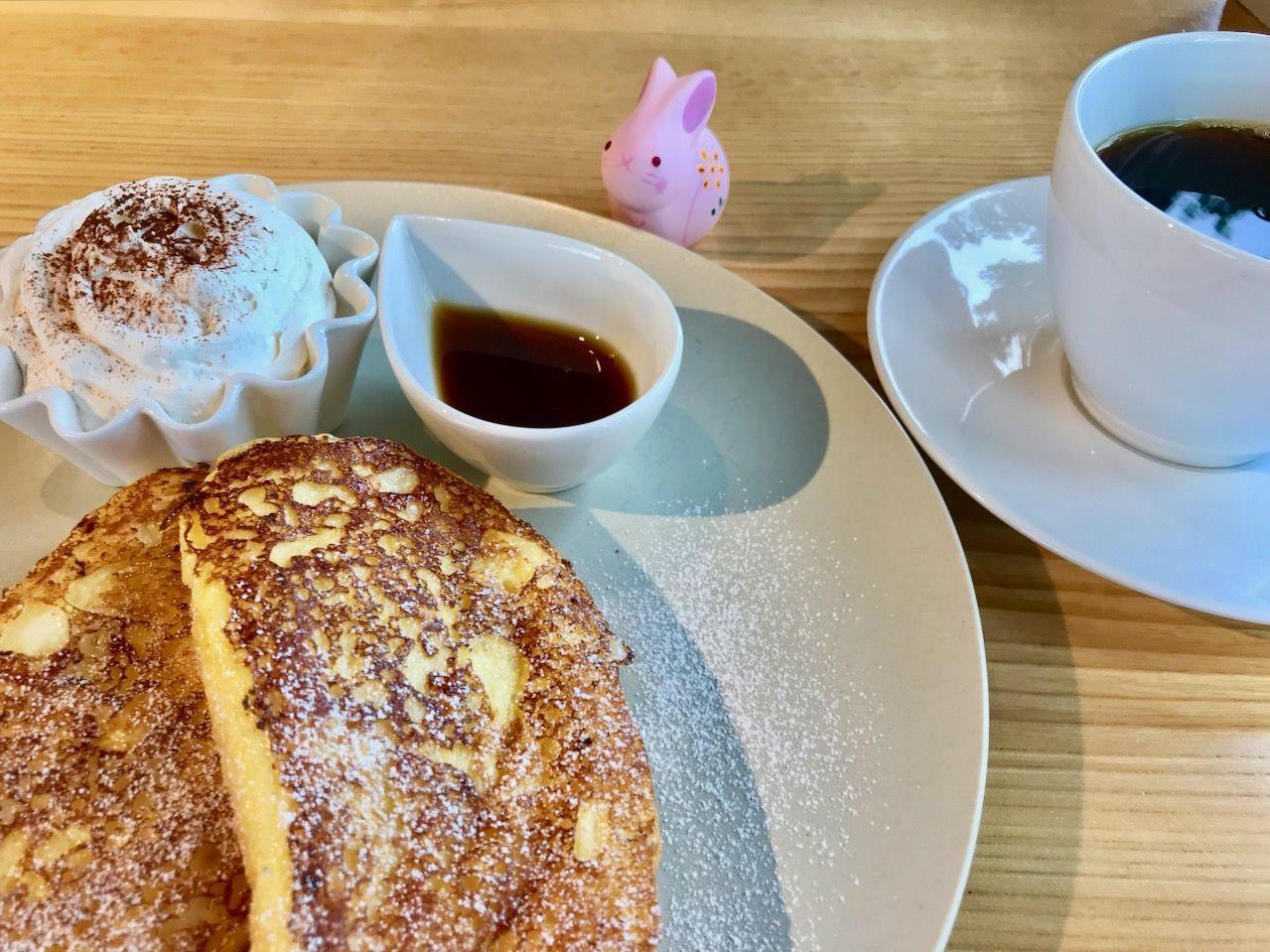 冬・厳かな雪景色が美しい神社カフェ「icho cafe」