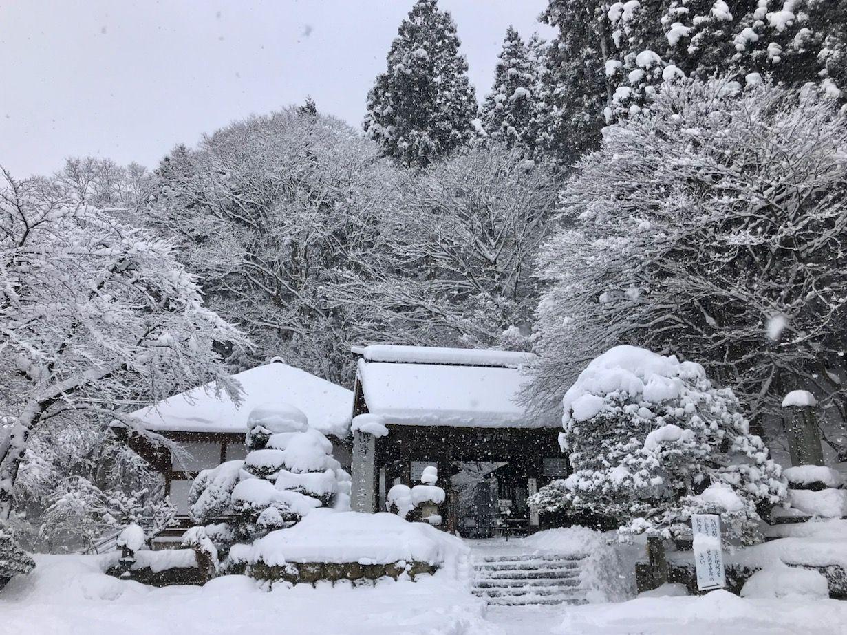 冬の山寺の歩き方、服装など注意点