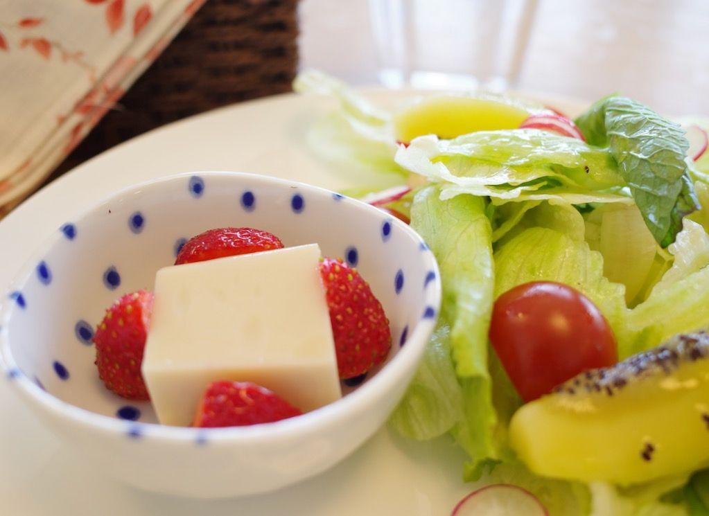 カラダが喜ぶふわふわキッシュと色とりどりの旬な野菜や果物