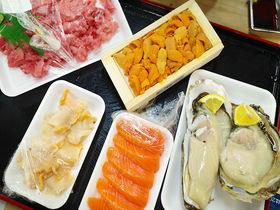 お魚天国!宮城「塩釜水産物仲卸市場」でマイ海鮮丼を楽しむ