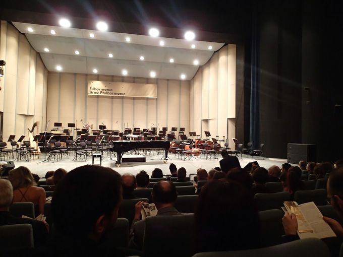 名門オーケストラの本拠地とヤナーチェク