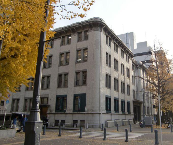 ギャルリー・パリは100年前のオフィスビルに