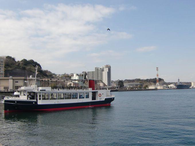 海上から見る横須賀港