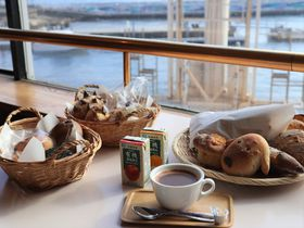 横須賀・浦賀、海が見えるパン屋さん「ワンこぱん」