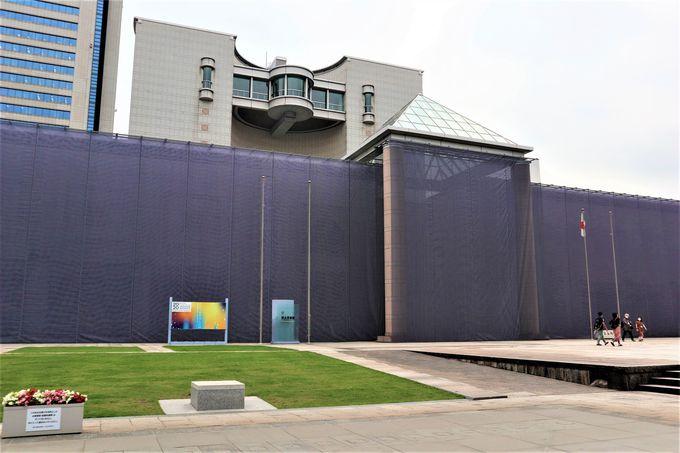 風に揺れる最大の作品:イヴァナ・フランケ