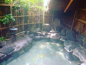 青森・浅虫温泉の源泉掛け流し宿「椿館」で400年の歴史に浸かる