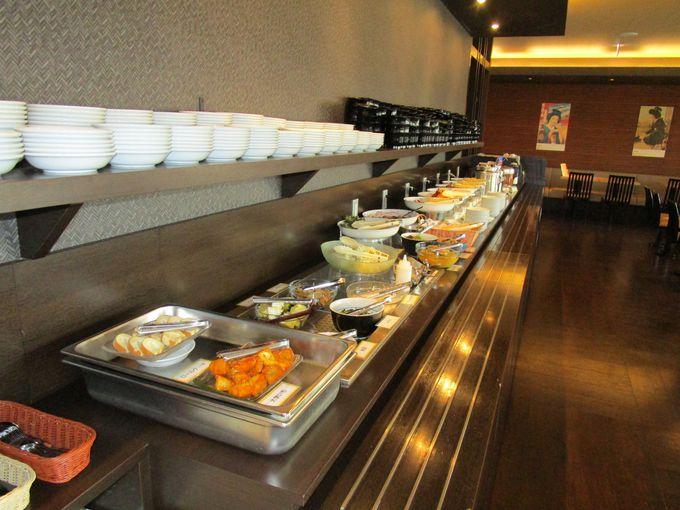 飲食業経営のノウハウを生かした夕食つきの宿泊プランが人気