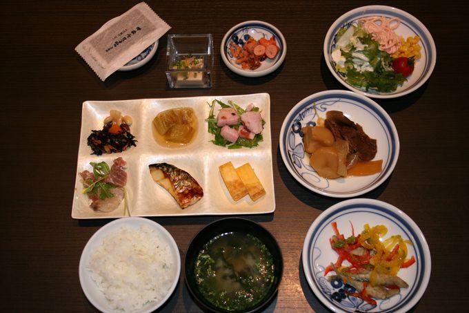 九州の朝食ランキングでベスト9に選ばれた品数豊富な朝食