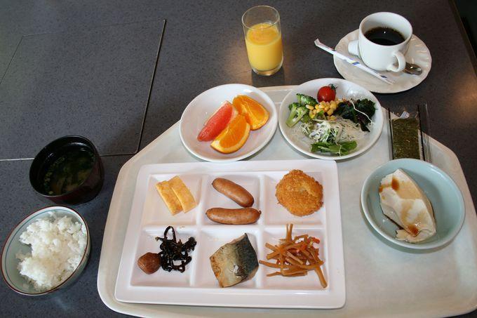京都産ざる豆腐など人気メニューがずらり、身体に優しい充実した朝食メニュー