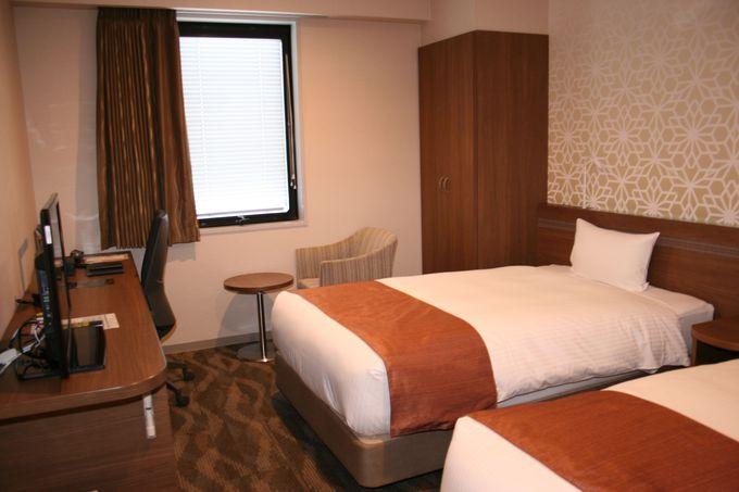 全73室の客室はシックなインテリアと機能的で使いやすい快適空間