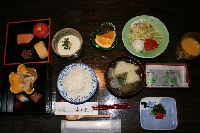 夕食の会席料理はどれも美味しく、適度な量で大満足