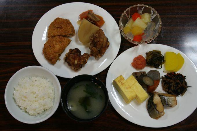 朝食は20種類以上のメニューがある和・洋食のビュッフェスタイル