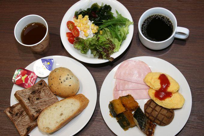朝食では「ぶどうの樹」のオリジナルカレーが人気
